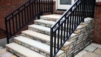 Ограждения лестниц, сетки и ограждения в местах пересечения